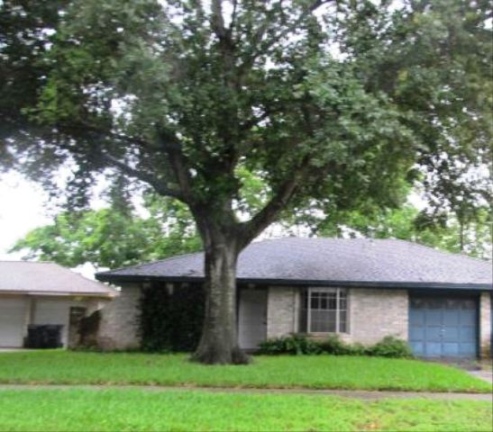 1831 Greenbriar Dr, one of homes for sale in Sugar Land