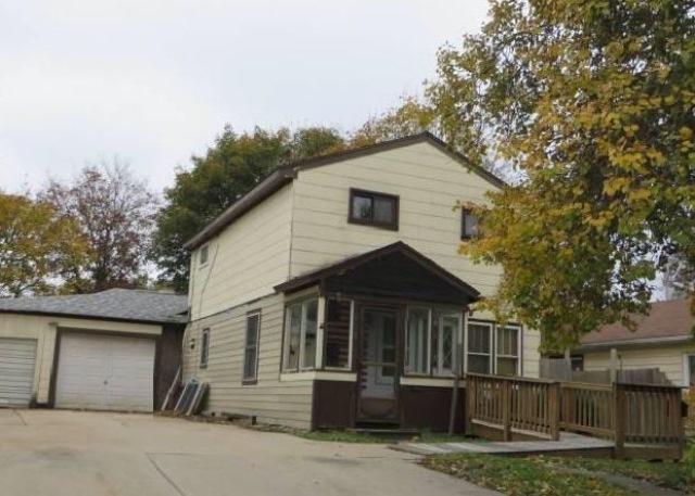 Photo of 408 E Calhoun St  Woodstock  IL