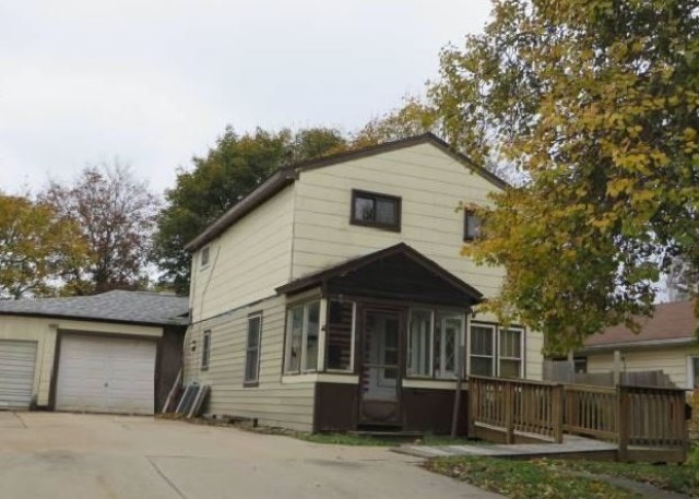 Photo of 408 E Calhoun St  Woodstock  IL