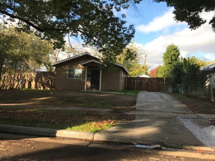 Photo of 4617 E Nevada Ave  Fresno  CA