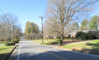727 14th Ave NW, Hickory, NC 28601