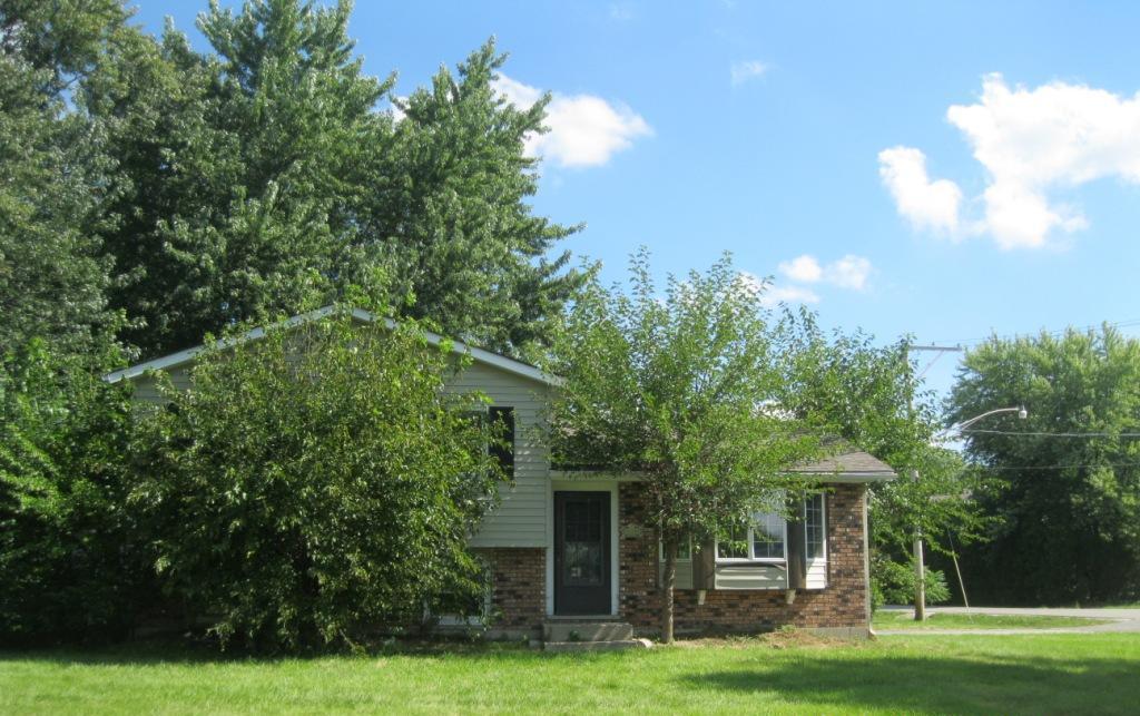 2124 Old Elm Rd, Lindenhurst, IL 60046