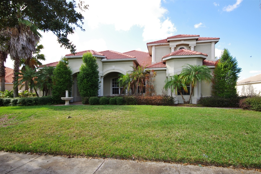 5824 Oxford Moor Blvd, Windermere Gated for Sale