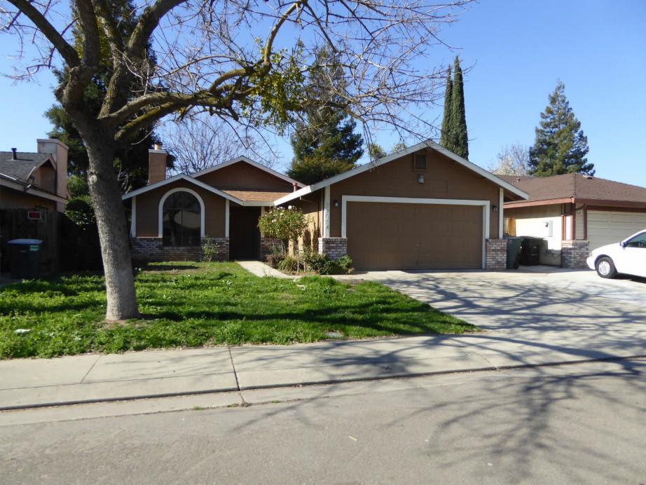 901 Deer Park Dr, Modesto, California