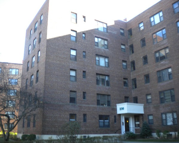 Photo of 230 Pelham Rd Unit 6r  New Rochelle  NY