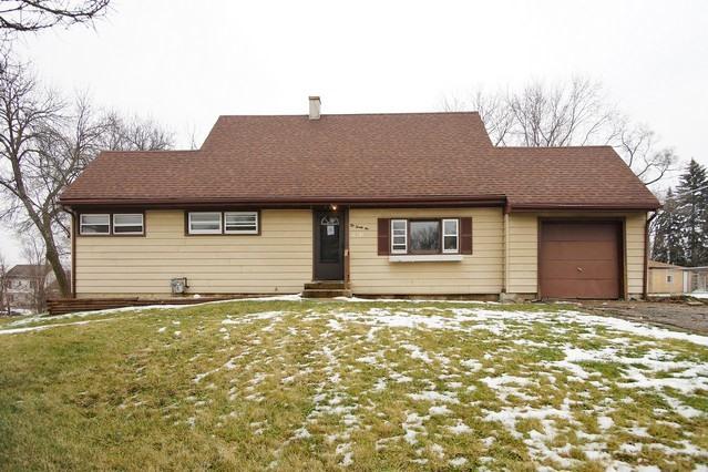 1021 Highmoor Rd, Lombard, IL 60148