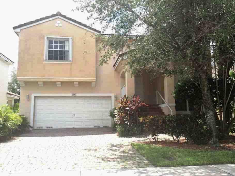 7502 Nw 23rd St, Hollywood, FL 33024