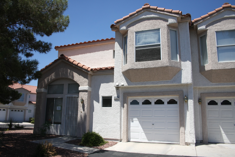 6924 Coral Rock Dr, Las Vegas, NV 89108