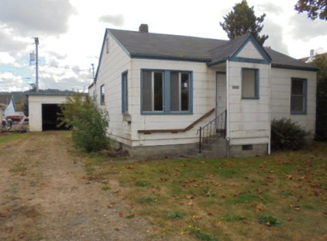 Photo of 1074 Hawthorne Ave  Reedsport  OR