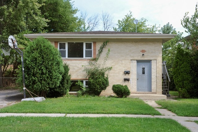Photo of 1672 Tanglewood Ave  Hanover Park  IL