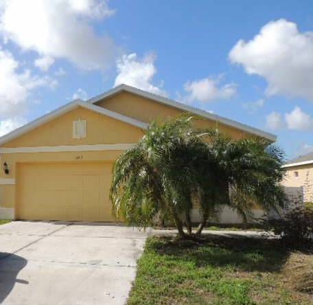 2215 29th Ave E, Palmetto, FL 34221
