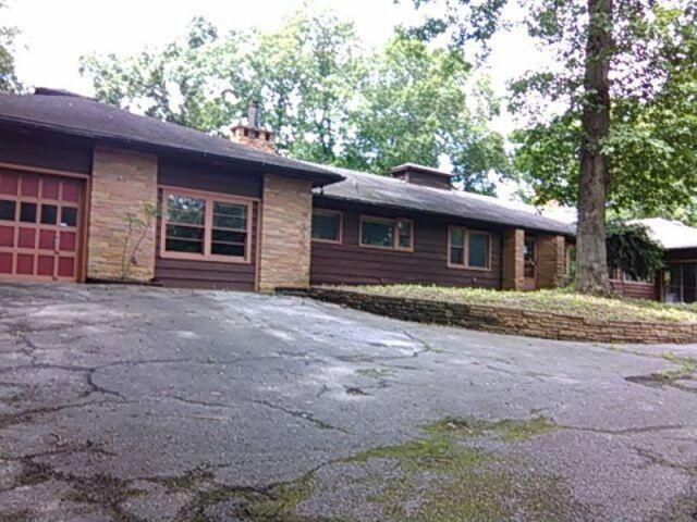 One of Knoxville 4 Bedroom Pool Homes for Sale
