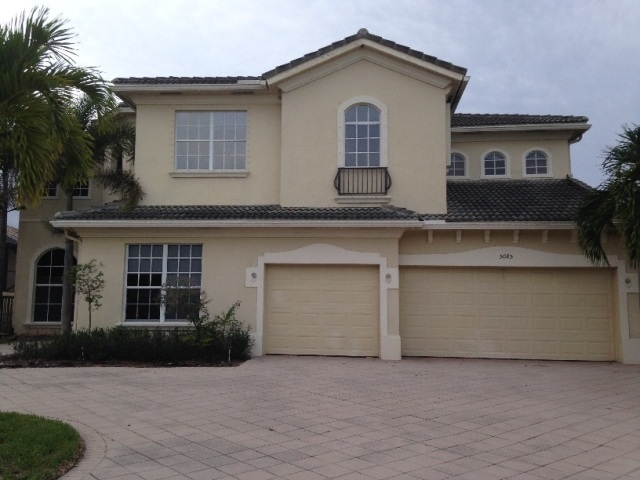 One of Lake Worth 5 Bedroom New Listings Homes for Sale