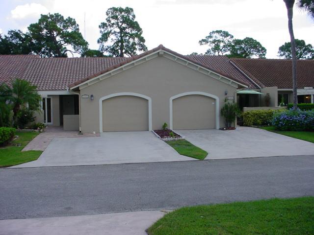 21601 Coronado Ave, Boca Raton, FL 33433