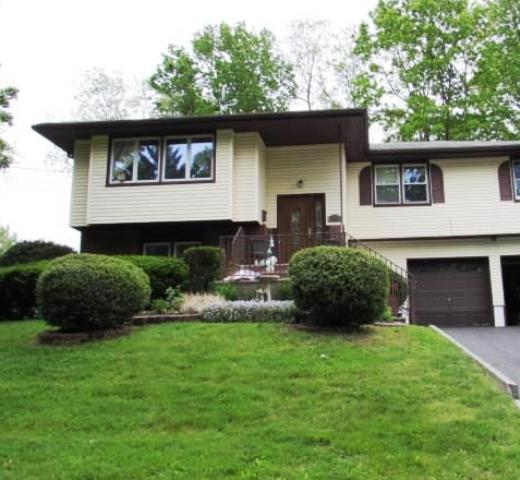 20 Gayle St, Middletown, NJ 07748