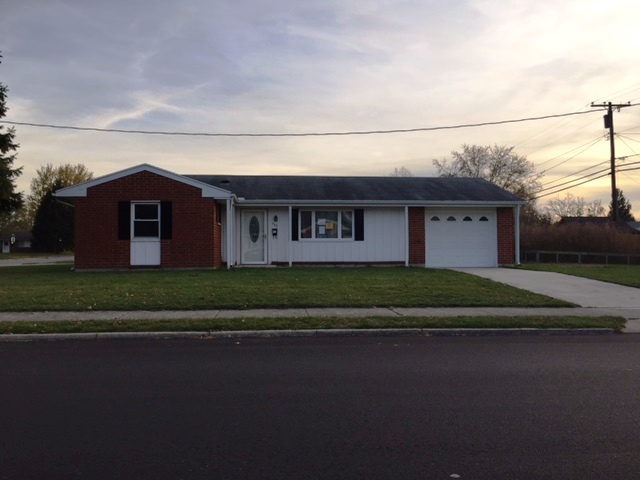 Photo of 992 Linwood Dr  Troy  OH