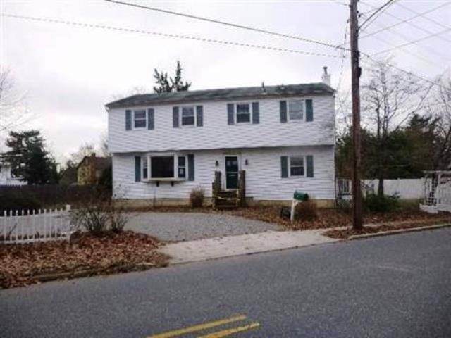 302 Lenape Ave, Mays Landing, NJ 08330