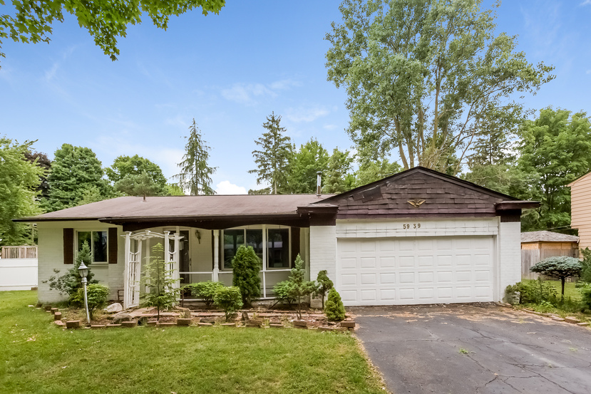 Photo of 5939 Thornaby Dr  Waterford  MI