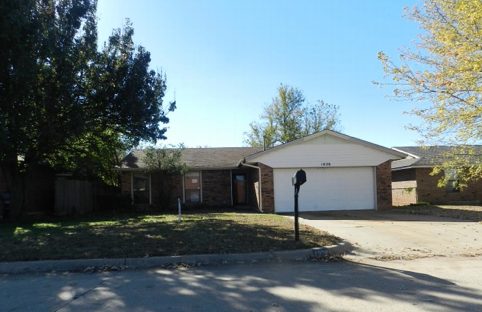 Photo of 1028 NW 26th St  Moore  OK
