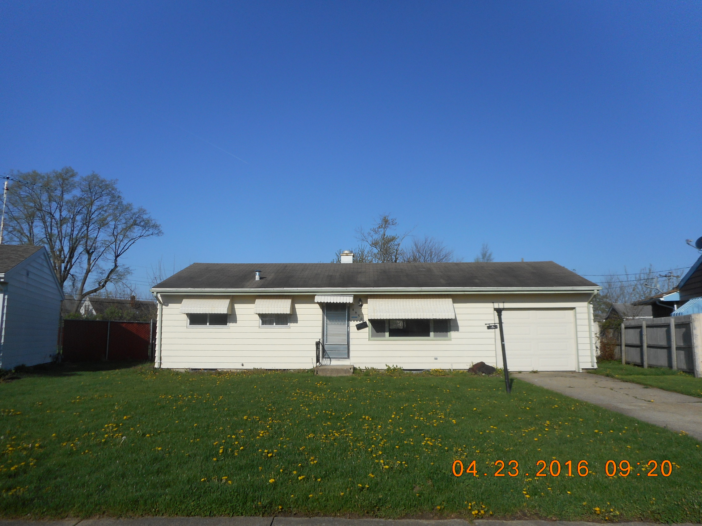 4450 Huron Cir, South Bend, IN 46619
