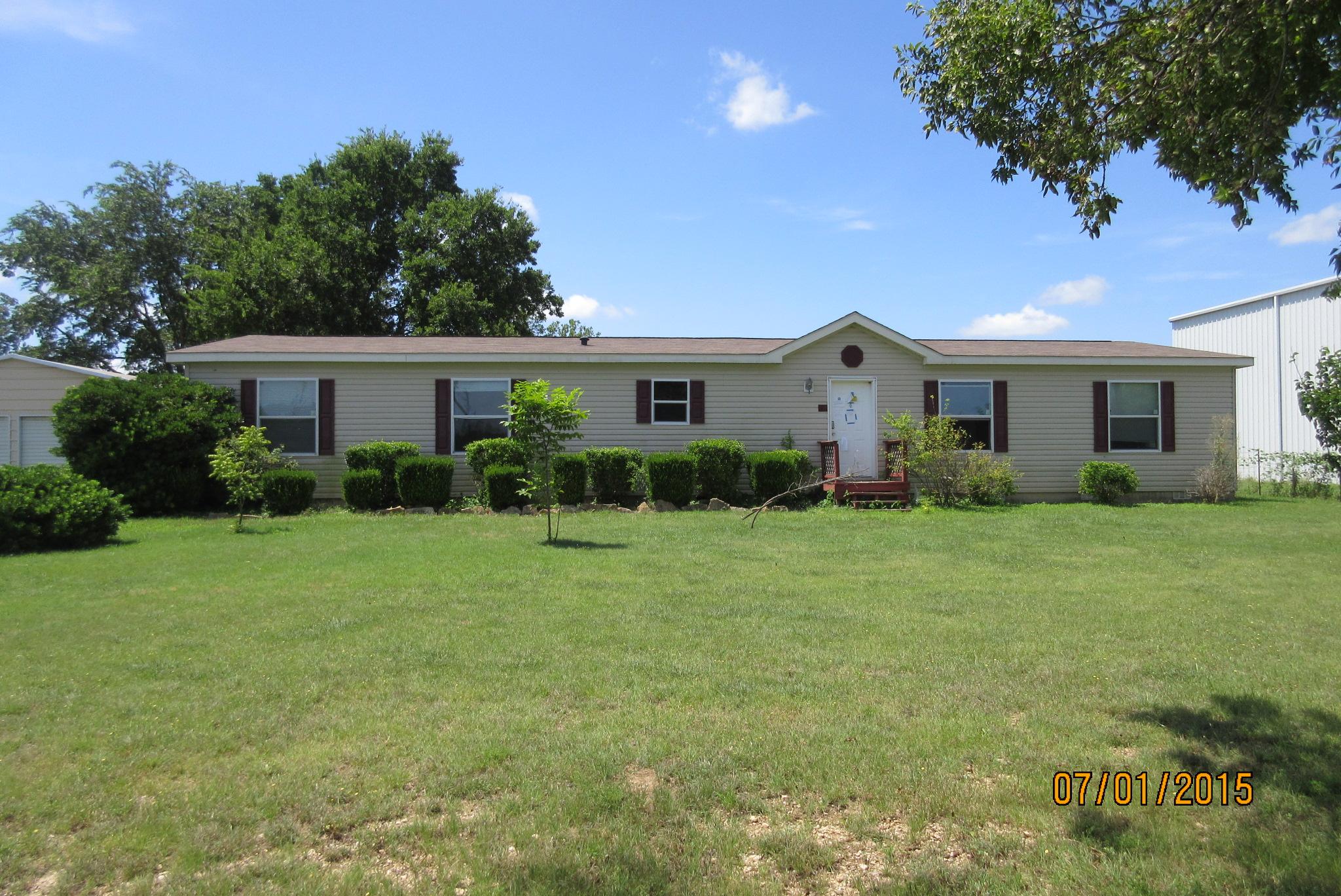 123 Airport Rd, Gatesville, TX 76528