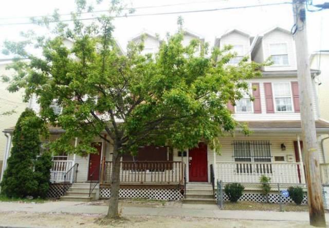 424 Washington St, Camden, NJ 08103