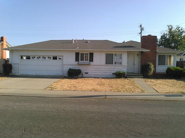 Photo of 1060 W Cedar St  Willows  CA