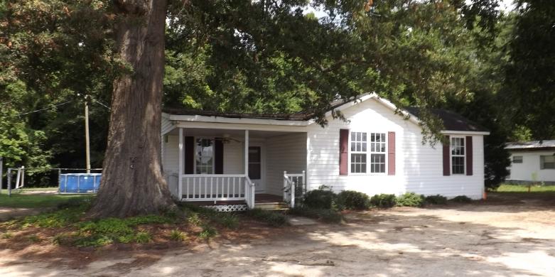1740 Quietude Rd, Timmonsville, SC 29161