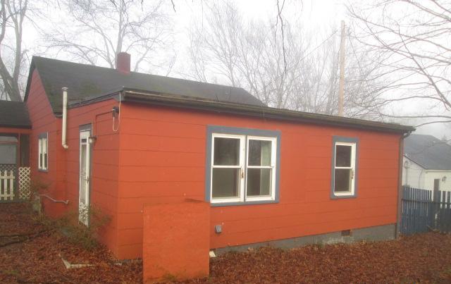 332 N Oak St, Statesville, NC 28677
