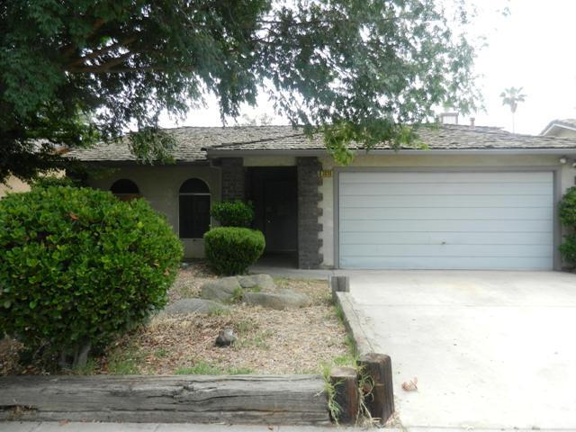 3030 N Selland Ave, Fresno, CA 93722