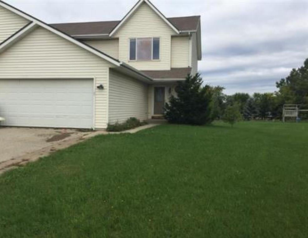 Photo of 1216 Autumn Dr  West Bend  WI