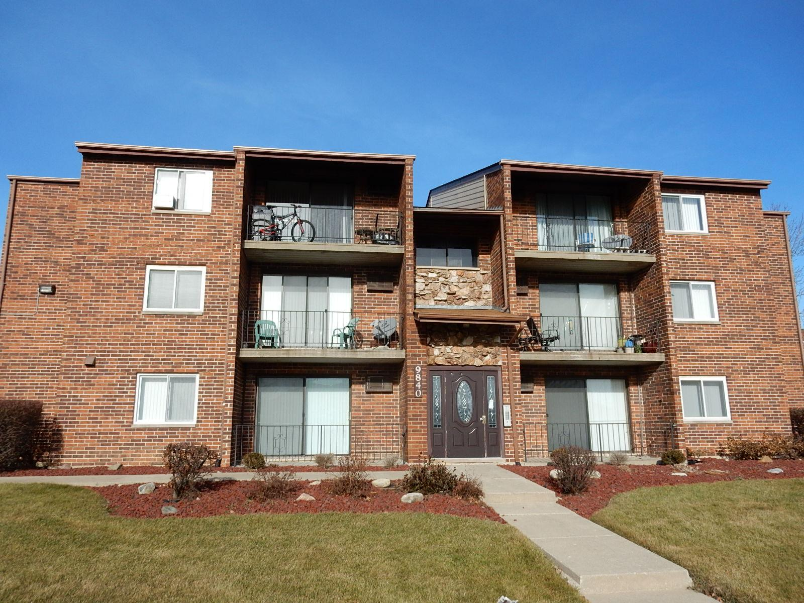 9840 W 153rd St # 1nw, Orland Park, IL 60462