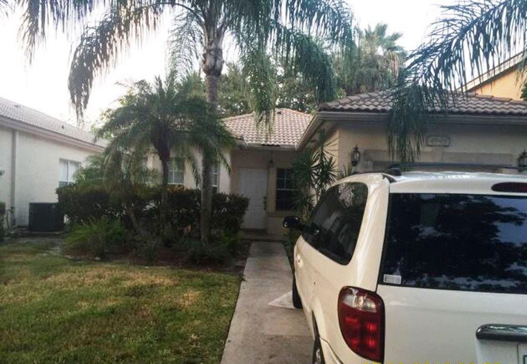 Photo of 4948 Pelican Manor  Coconut Creek  FL