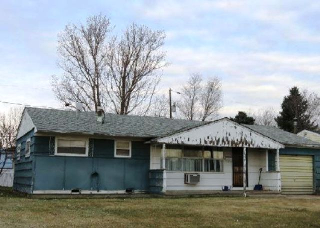 135 Acoma St, Sterling, CO 80751