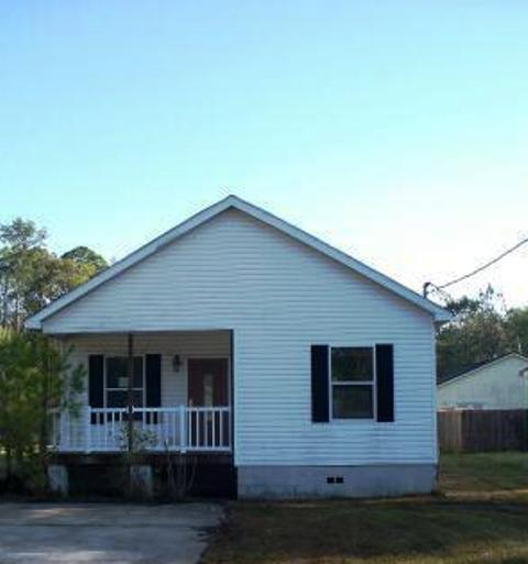 1247 Floyd St, GREEN COVE SPRINGS, FL 32003