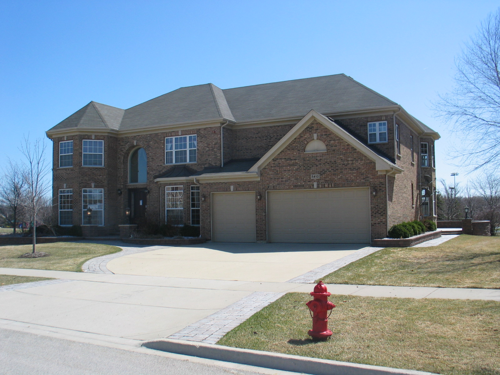 5413 Swan Cir, Hoffman Estates, IL 60192