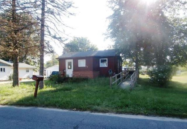 406 S East St, Knox, IN 46534