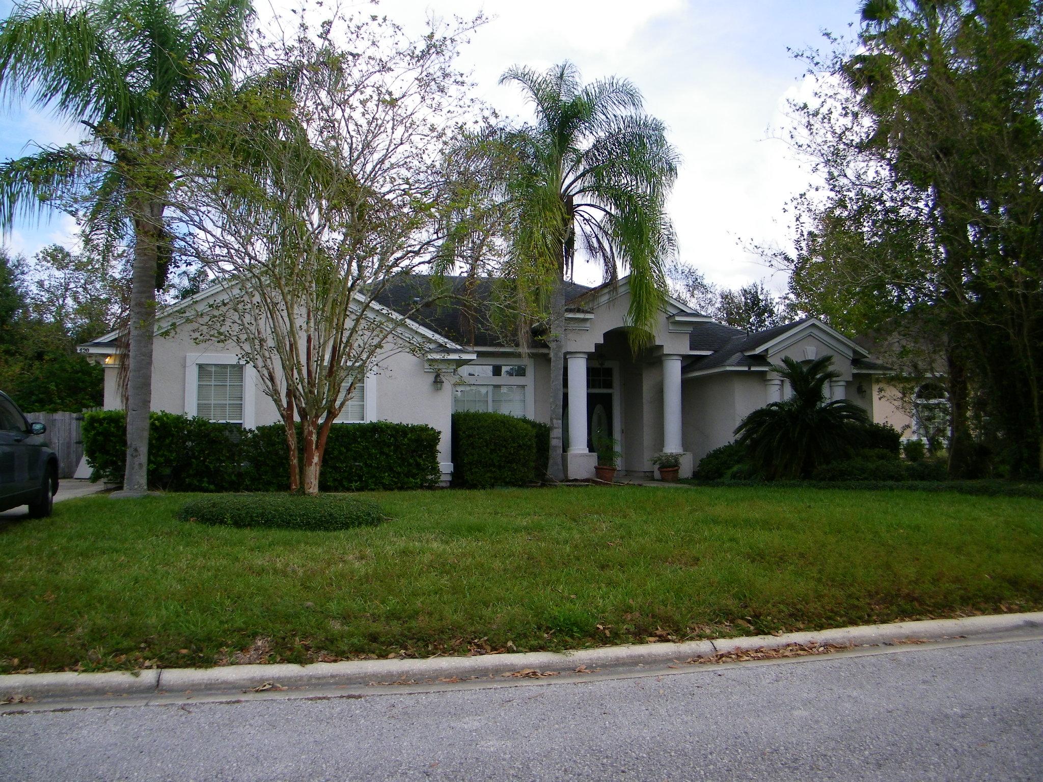 420 Twin Oaks Ln, Jacksonville, FL 32259