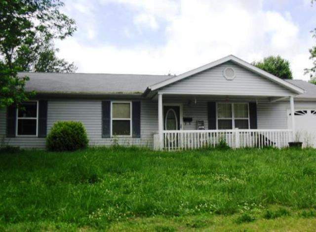 147 East St, Sullivan, MO 63080