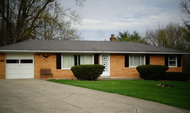 8105 Lesourdsvll W Chest Rd, West Chester, OH 45069
