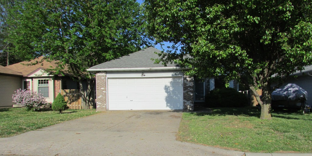 1601 N Lone Pine Ave, Springfield in  County, MO 65803 Home for Sale