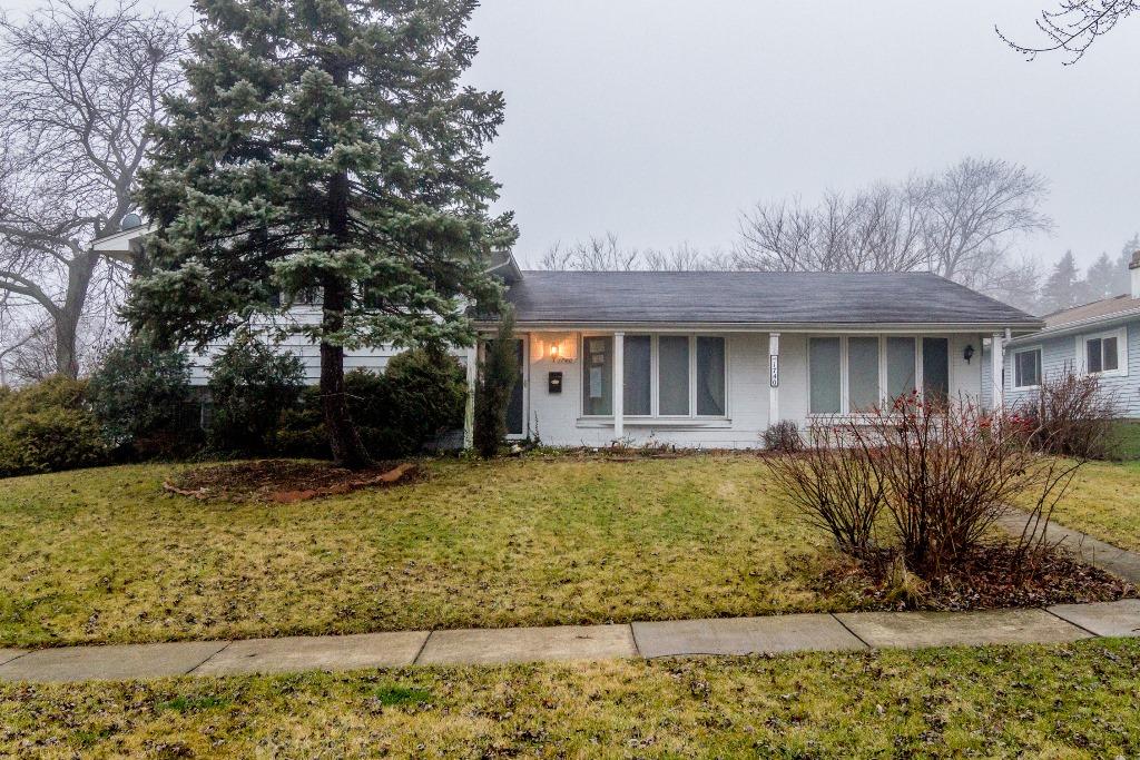 1740 Kent Rd, Hoffman Estates, IL 60195