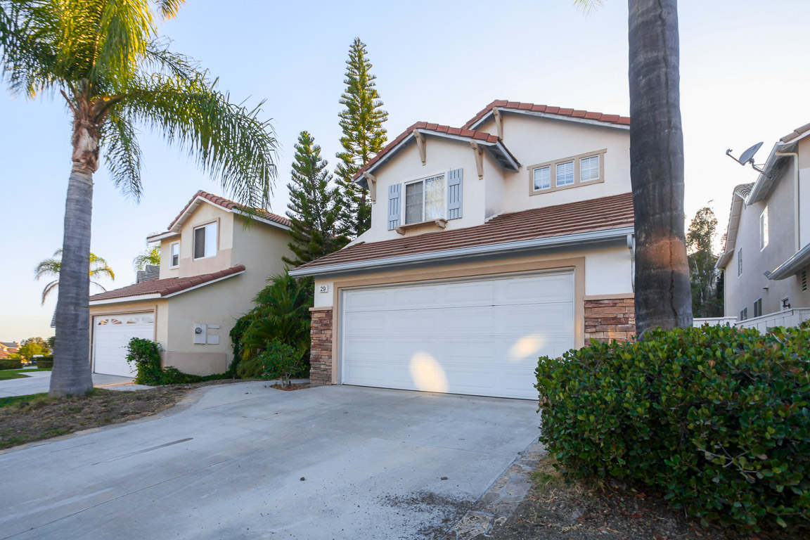 Photo of 29 PARTERRE AVE  Foothill Ranch  CA