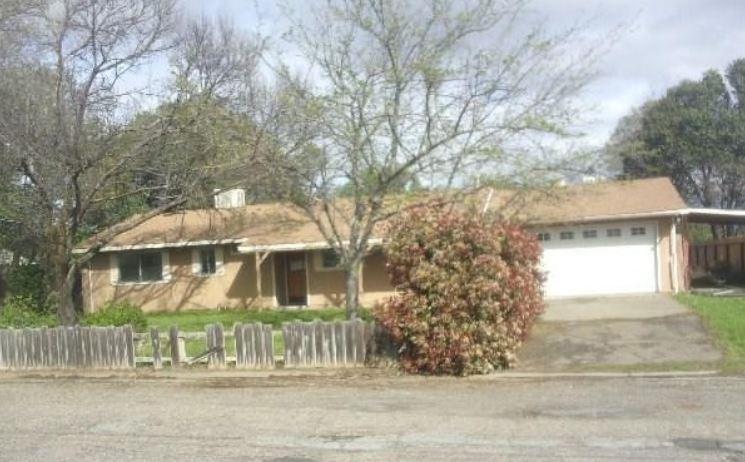 8018 Los Altos Dr, Los Molinos, CA 96055