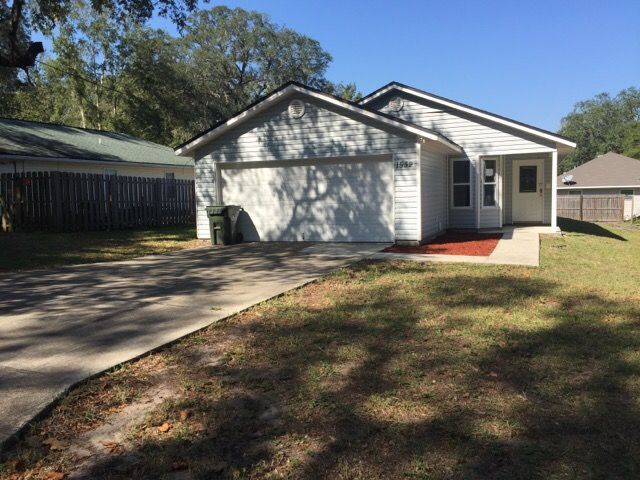 Photo of 1532 CENTER ST  Green Cove Springs  FL