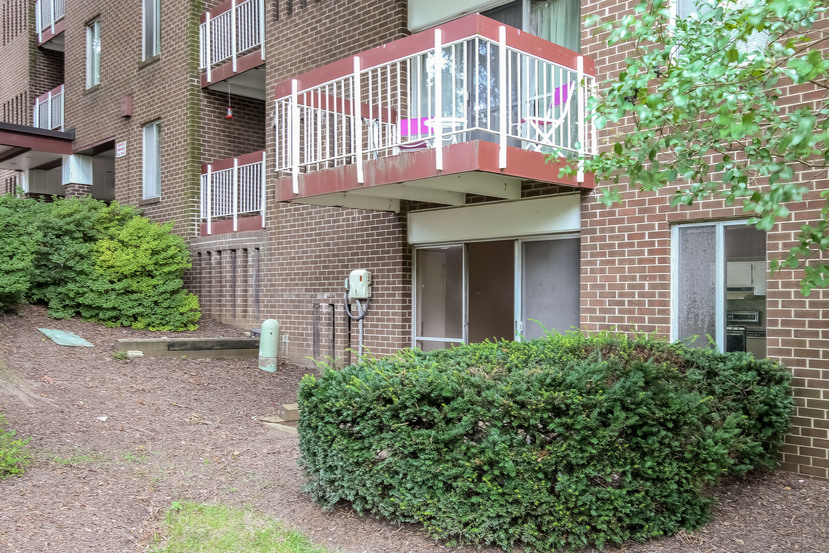Photo of 10850 GREEN MOUNTAIN CR T3  Columbia  MD