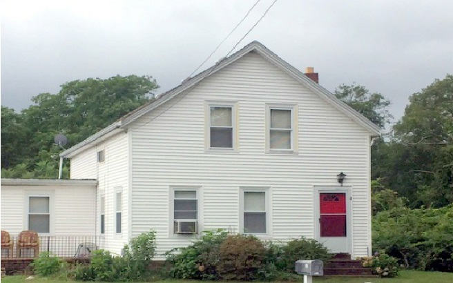 Photo of 563 Stafford Rd  Tiverton  RI