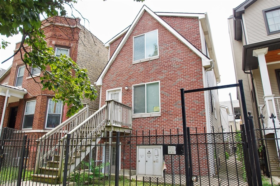 Photo of 2734 N Fairfield Ave  1  Chicago  IL