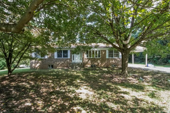 Photo of 13805 Lewisdale Rd  Clarksburg  MD