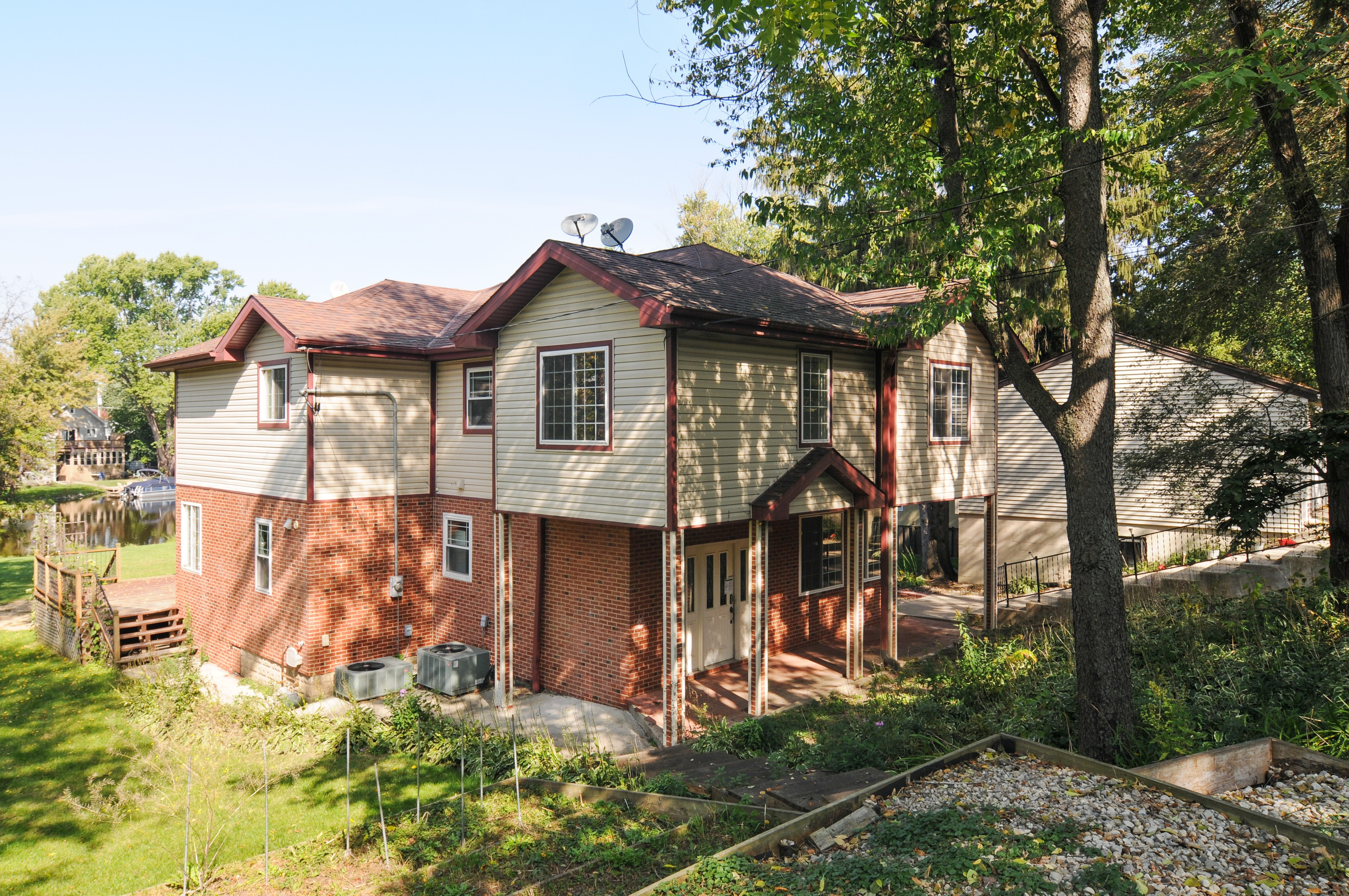 Photo of 236 Forest Dr  Island Lake  IL